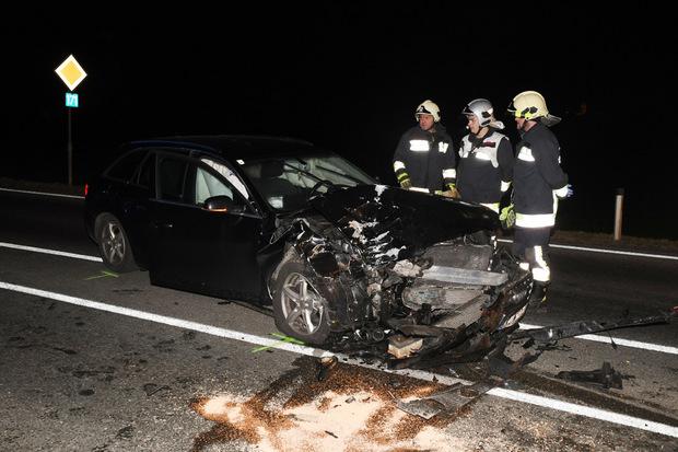 Der Lenker des Autos wurde leicht verletzt.