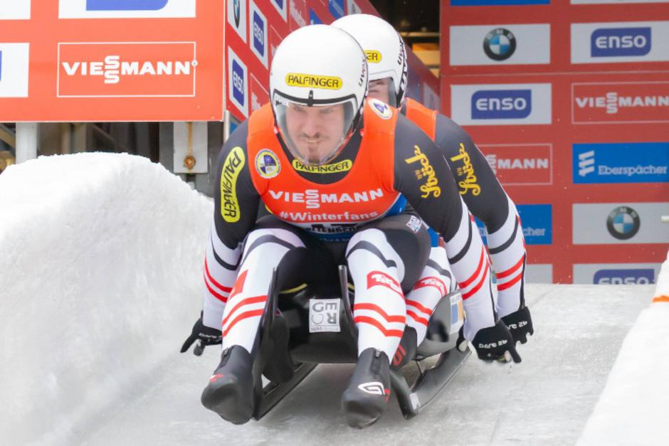 Thomas Steu (vorne) und Lorenz Koller triumphierten im vergangenen Jahr beim Heimweltcup in Igls.