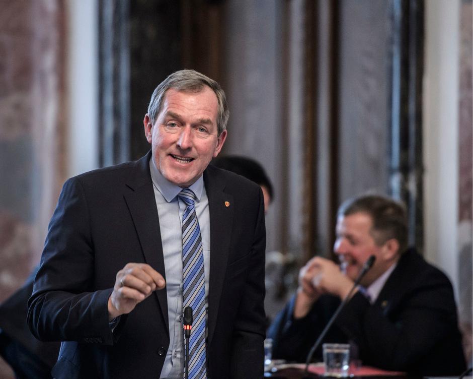 """Hermann Kuenz (stv. Klubobmann, VP): """"Das knappste Gut bei uns sind nicht die Naturflächen, sondern die landwirtschaftlichen Flächen."""""""