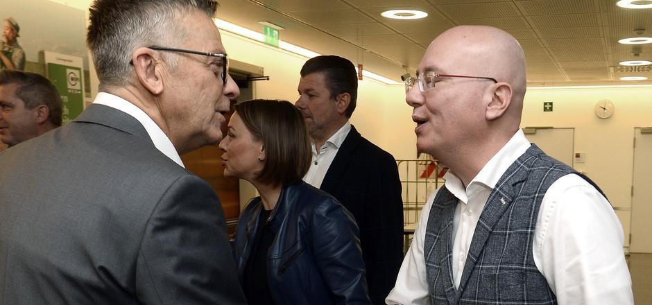 Der Vorsitzende des Wirtschaftsbereiches Handel, Martin Müllauer, und WKÖ-Handelsobmann Peter Buchmüller (l.) am Donnerstag.