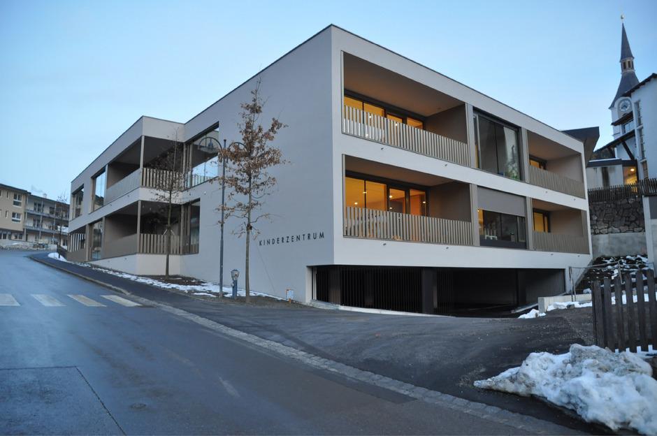 Die Tiefgarage des neuen Kinderzentrums in Roppen wird zur gebührenpflichtigen Kurzparkzone.