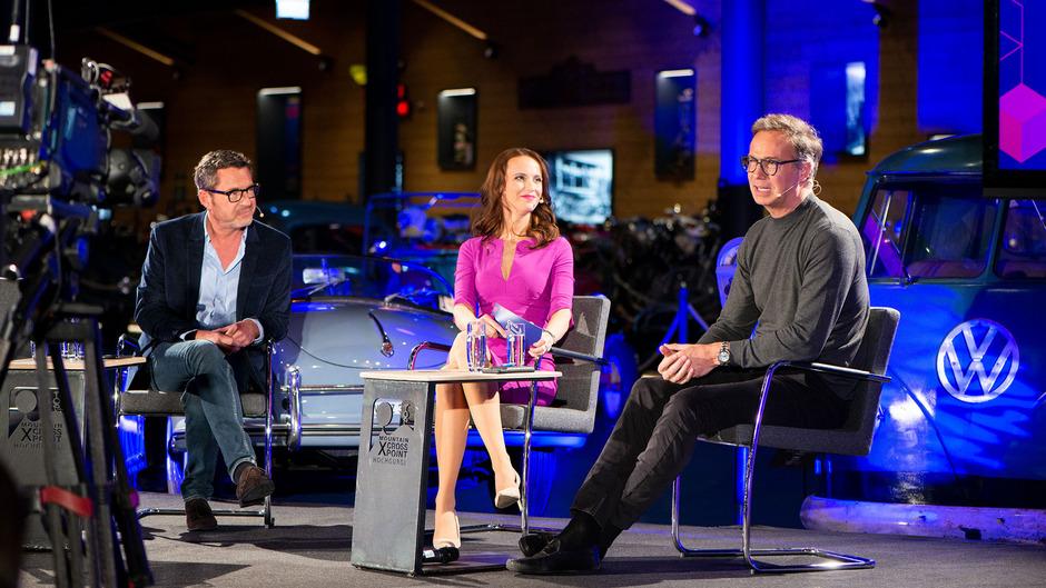 """Ex-""""Bild""""-Chefredakteur Kai Diekmann (l.) und Peter Würtenberger im Gespräch mit Susanne Schöne."""