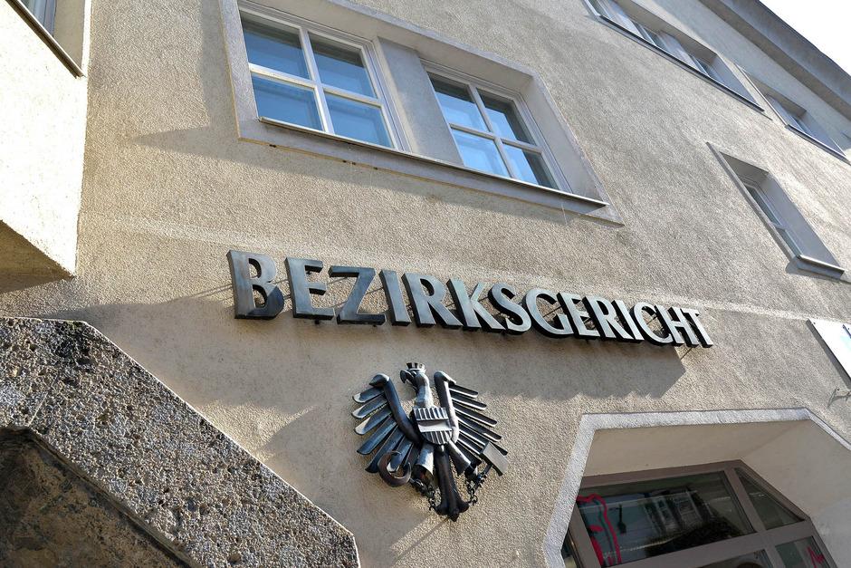"""Ein """"Schildbürgerstreich"""" wäre die Schließung des Bezirksgerichts Telfs aus Sicht von BM Härting. Viele Bürger sehen das ähnlich."""