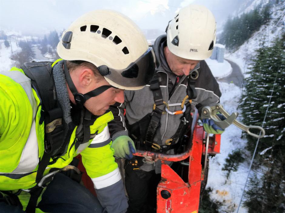 Viele Einsatzorte konnten sie während der Schneekrise in Osttirol erst nach zwei bis drei Stunden Fußmarsch erreichen.