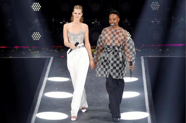 Bemüht, aber bieder führten das deutsche Topmodel Toni Garrn und der US-Showstar Billy Porter durch den Gala-Abend.