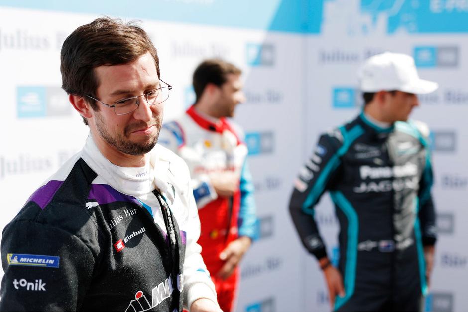 BMW-Pilot Alex Sims holte zum Saisonstart den Sieg.