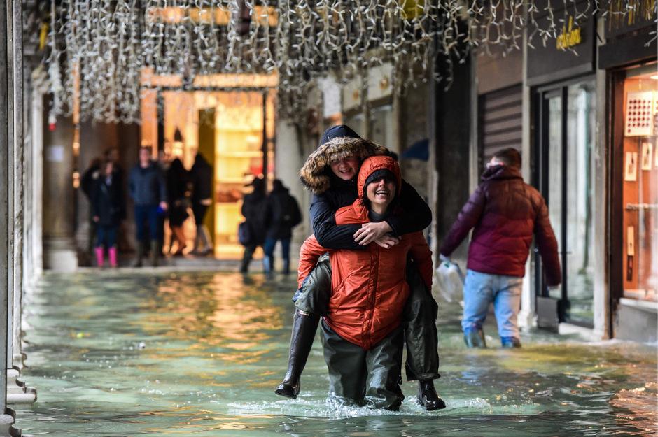 In Venedig war am Sonntag schon wieder Hochwasser.