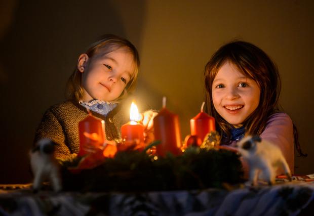 Der Advent bietet viele Anlässe für strahlende Kinderaugen.