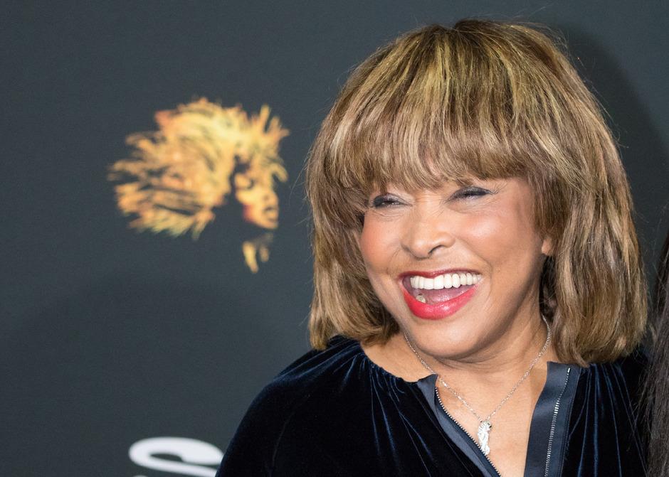 Bei ihren selten gewordenen Auftritten strahlt Tina Turner - so wie hier im März bei der Premiere ihres Musicals in Hamburg.