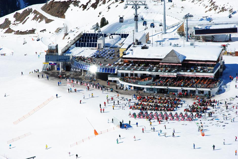 Bereits jetzt setzt das Skigebiet auf Solar- und Wärmerückgewinnungsanlagen.