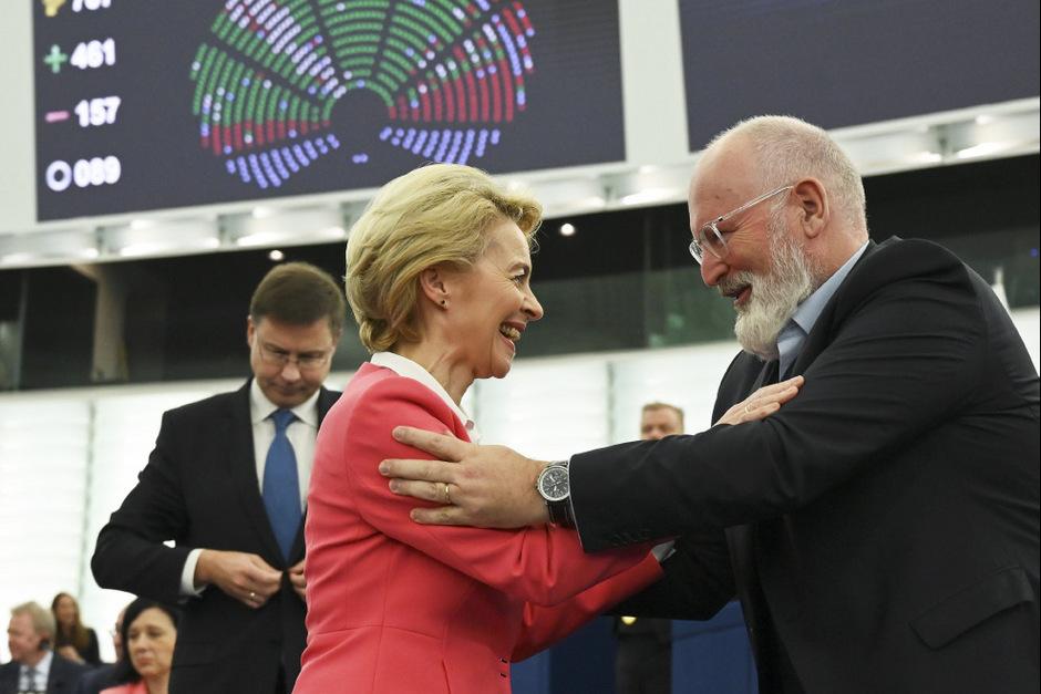 Die neue EU-Kommissionspräsidentin Ursula von der Leyen und einer ihrer Vizepräsidenten Frans Timmermans.