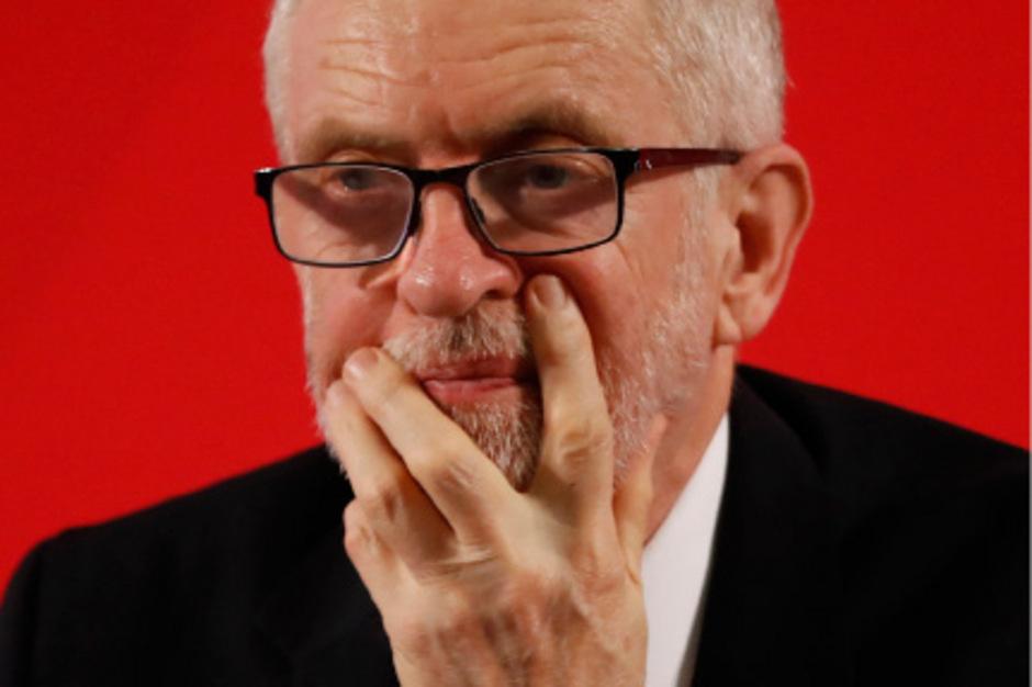 Labour-Parteichef Jeremy Corbyn liegt mit seiner Partei in Umfragen weit hinter den Torys zurück.