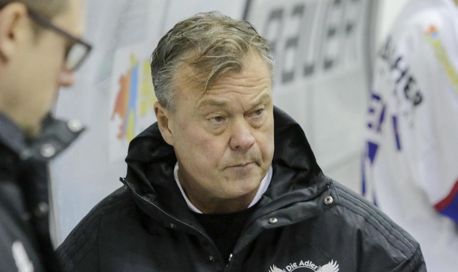 Die Adler mit Coach Charles Franzen stecken in der Krise.