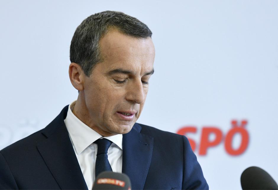 Ex-Bundeskanzler und -SPÖ-Chef Christian Kern rechnet mit seinen Kritikern ab.