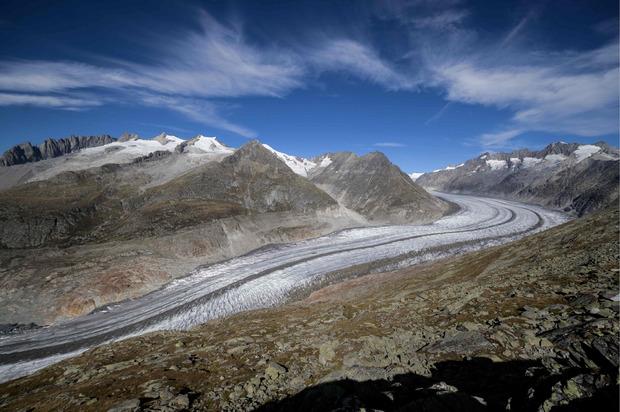 Der Aletschgletscher in der Schweiz könnte mit Ende dieses Jahrhunderts verschwinden, wenn der Klimawandel gleich fortschreitet.