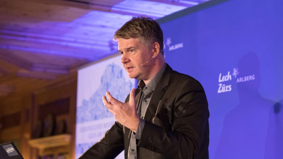 John-Dylan Haynes bei seinem Vortrag.