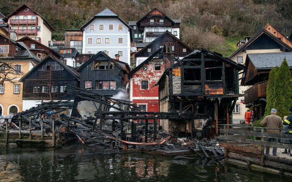 Zerstörte Häuser in Hallstatt.