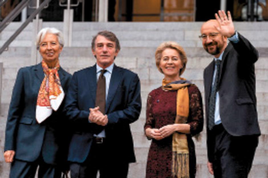 Kommissionspräsidentin Ursula von der Leyen,Ratspräsident Charles Michel, EZB-Chefin Christine Lagarde und der Präsident des EU-Parlaments David Sassoli.