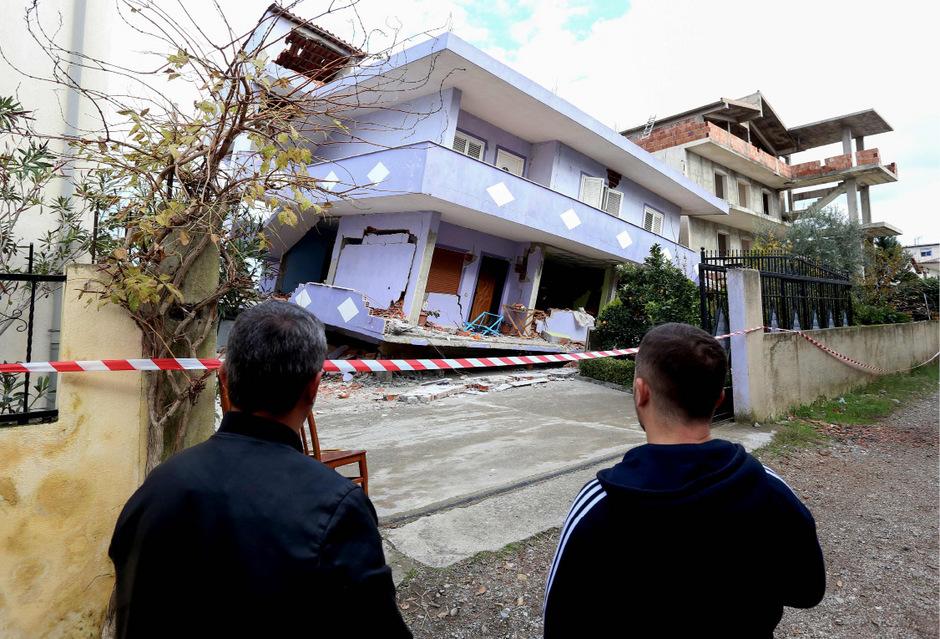 Knapp 2000 Gebäude wurden bei dem Erdbeben beschädigt oder völlig zerstört.