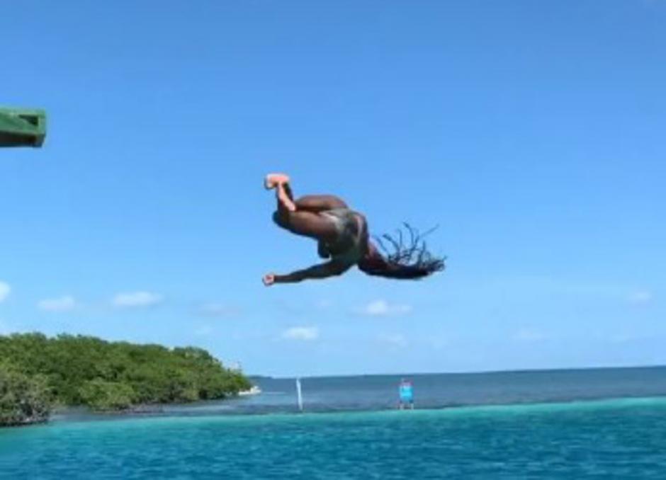 Simone Biles zeigt auch im Urlaub was sie kann.