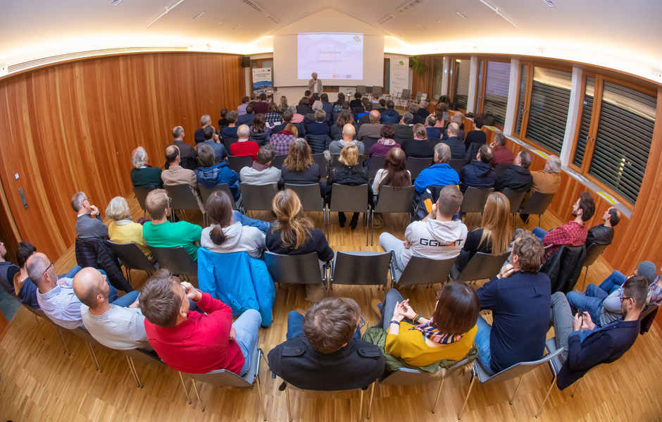 Vor allem das Thema Wohnen stieß bei den Zuhörern im Leisacher Gemeindesaal auf großes Interesse und soll weiter diskutiert werden.