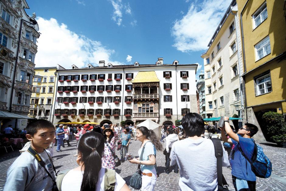 Die Tourismusgesinnung der Tirolerinnen und Tiroler wurde vom MCI abgefragt: Da zeigten sich sowohl Licht als auch Schatten. (Symbolbild)