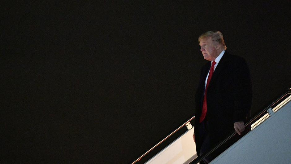 US-Präsident Donald Trump wirft Zeugen, die sich kritisch über ihn äußern, Parteilichkeit vor. Kritiker sehen Einschüchterungsversuche durch den Republikaner.