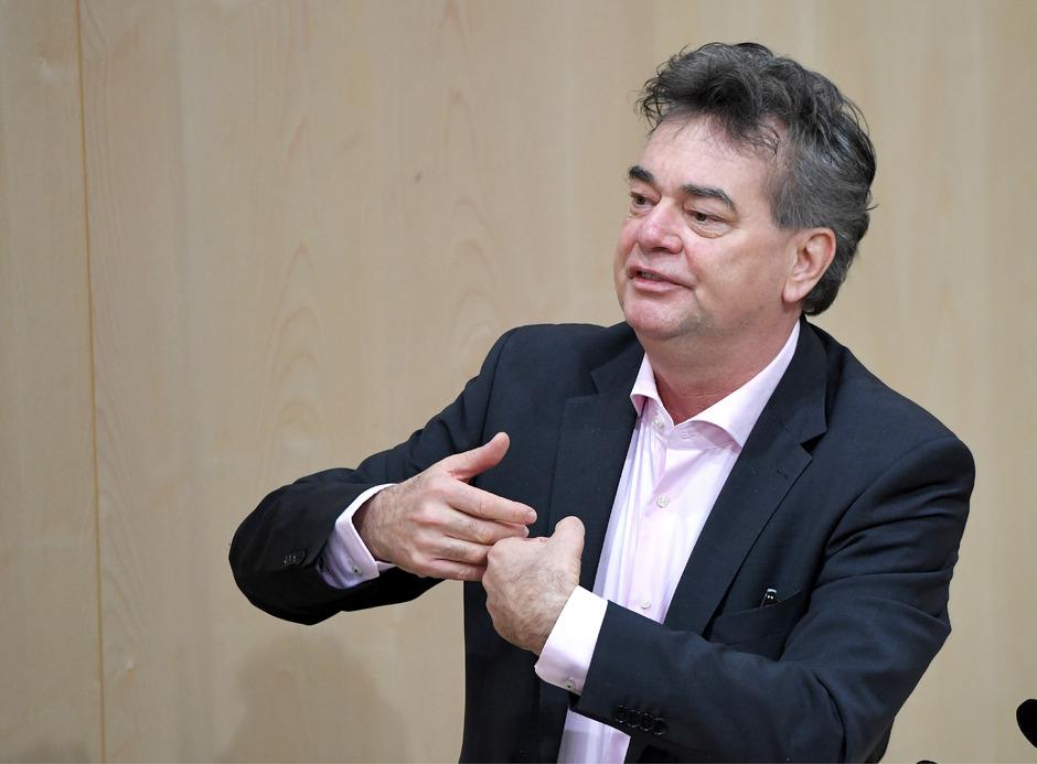 """Koalitionsgespräche: Trotz """"Foul"""" durch Kurz will Kogler """"cool bleiben"""""""